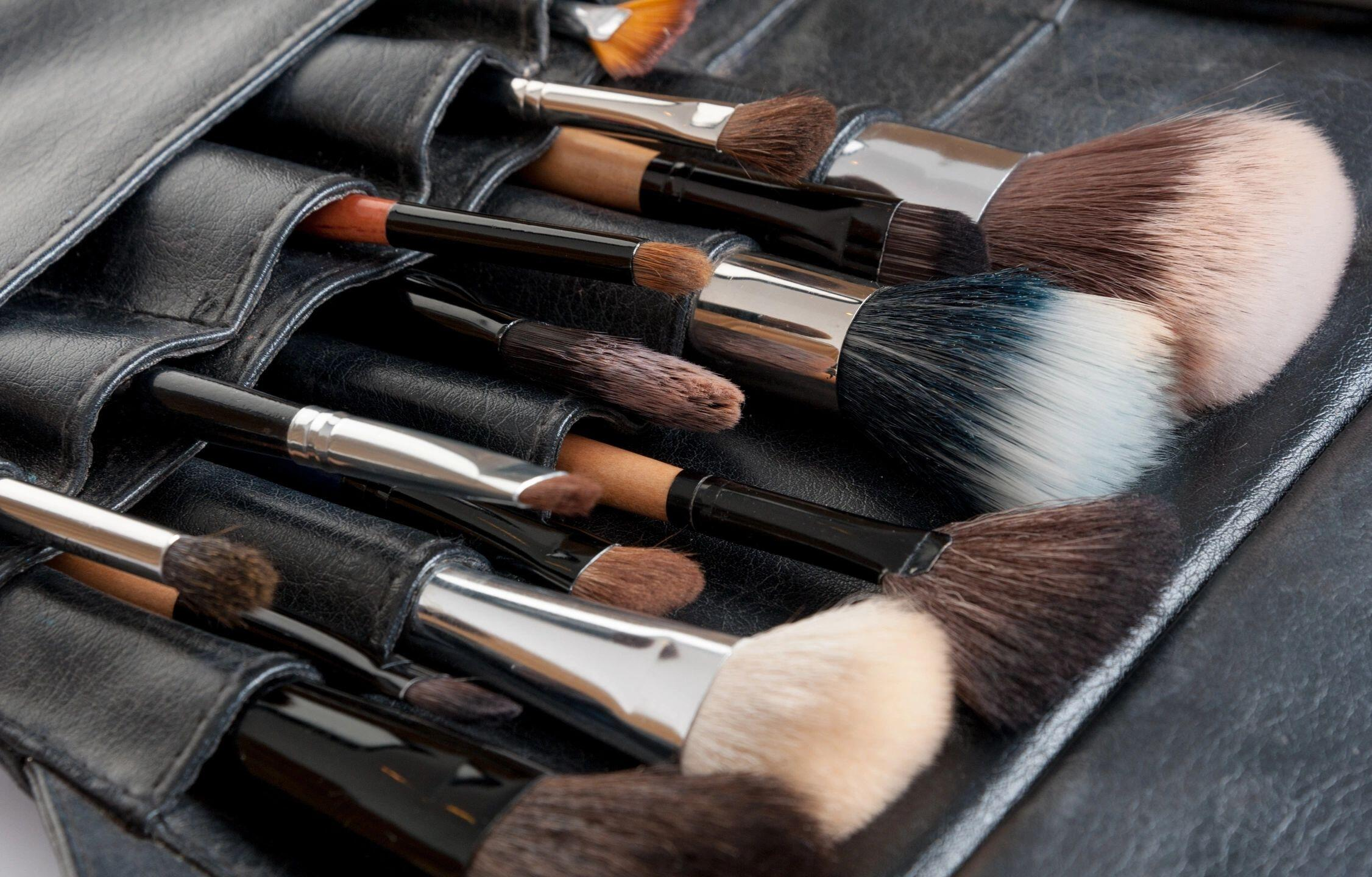 Cosmetics: How Can I Declutter and Organize My Make Up?