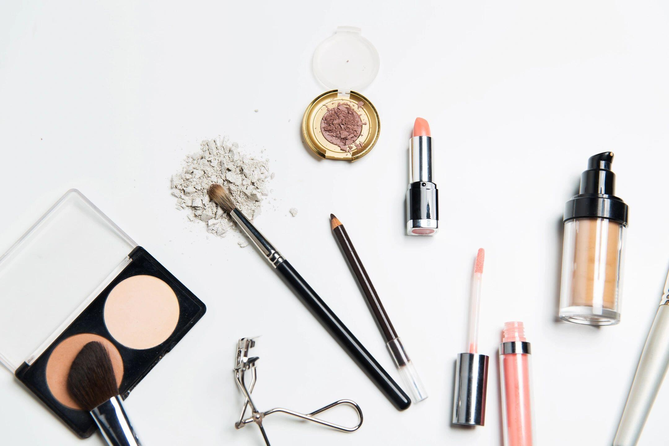 Decluttering Make Up: How Can I Declutter My Make-Up-for Safety?