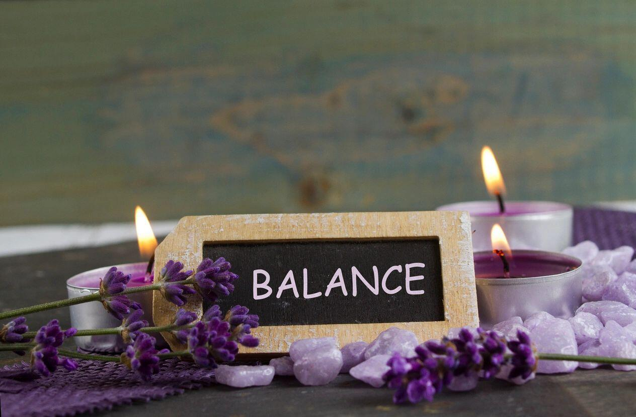 Gratitude-&-Balance-Declutter-Your-Life